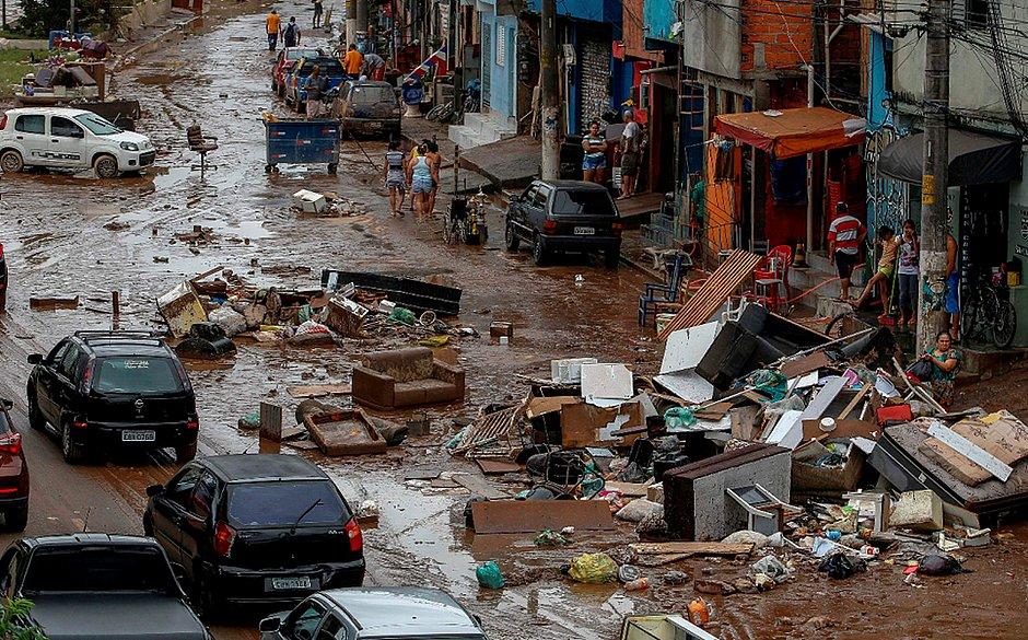 Atentado Em Sao Paulo Gallery: 'Passei Por 20 Enchentes, Mas Essa Foi A Pior', Diz