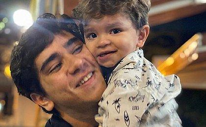 João Fernandes celebra dois anos do filho com Mabel Calzolari: 'Tudo por você'