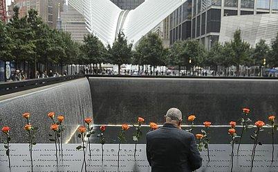 Memorial do atentado de 11 de setembro, em frente a uma das antigas torres gêmeas.