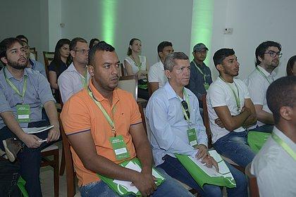 Um público atento compareceu ao Workshop Eficiência Energética em Barreiras