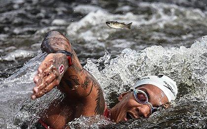 Ana Marcela Cunha durante a prova da maratona aquática