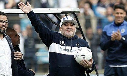 Aos 60 anos, Diego Maradona morre após parada cardiorrespiratória