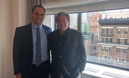 Ex-estrategista de Trump celebra indicação de Eduardo Bolsonaro para embaixador