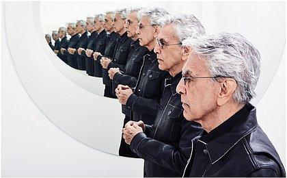 Em novo álbum de inéditas, Caetano mostra que sua obra é uma necessidade