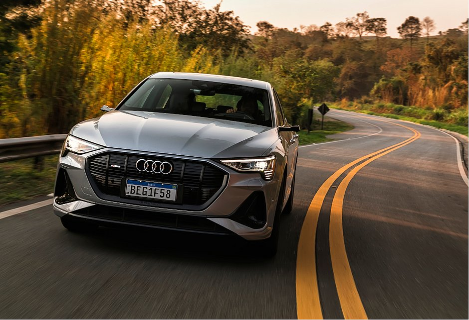 O e-tron Sportback é o segundo veículo totalmente elétrico da Audi lançado no mercado brasileiro. O preço inicial é R$ 511.990
