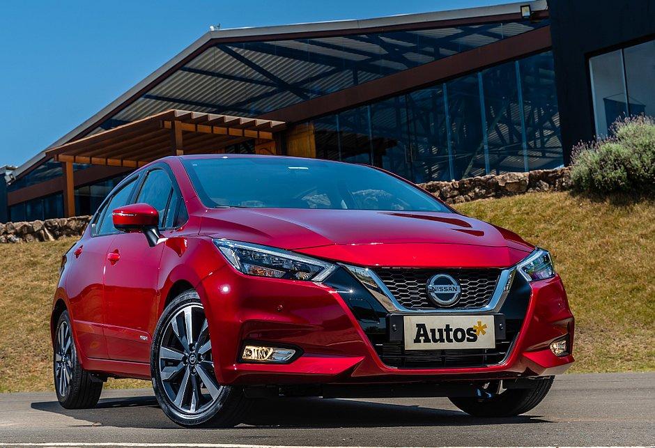 Completamente atualizado, o Nissan Versa chega ao Brasil importado do México. Os preços vão de R$ 72.990 a R$ 92.990
