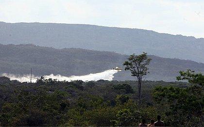 Bombeiros, voluntários, chuva e aviões controlam incêndios na Chapada Diamantina