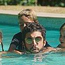 Bem, Dom e Liz estão com o pai na Califórnia