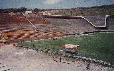 Arquibancadas começaram a ser ampliadas em 1994