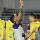 Talismã tricolor, Arthur Caíke entrou no segundo tempo e decretou a vitória em Alagoas