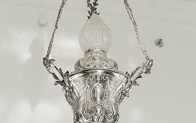 Lustres de prata originais do hall de entrada