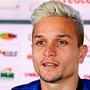 Artur estava com a seleção sub-23 e volta ao Bahia contra o Goiás