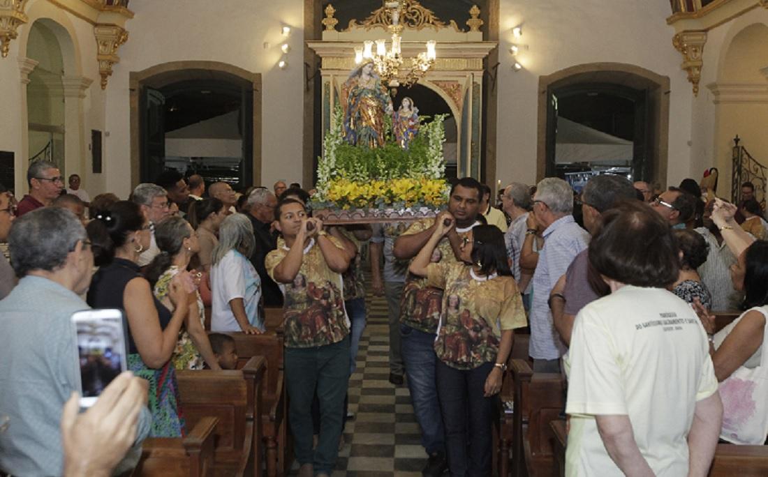 Após a carreata, imagem retornou a Igreja do Santíssimo Sacramento e Sant'Ana