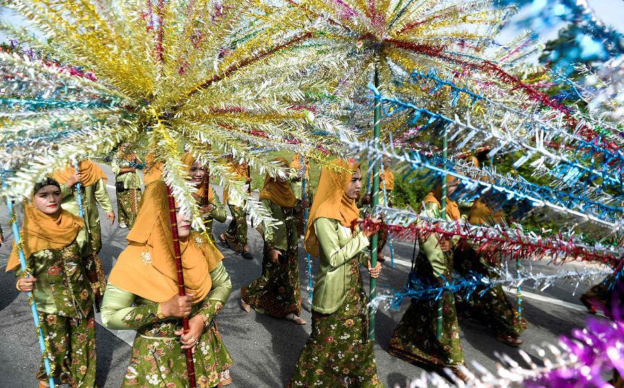 Desfile para celebrar a cultura muçulmana e budista, na província de Yi-ONG distrito de Narathiwat.