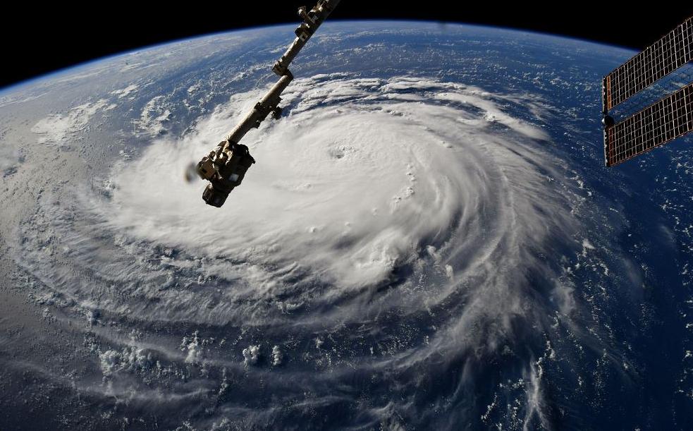 Imagem da NASA mostra a chegada do furacão Florence à Costa norte-americana.
