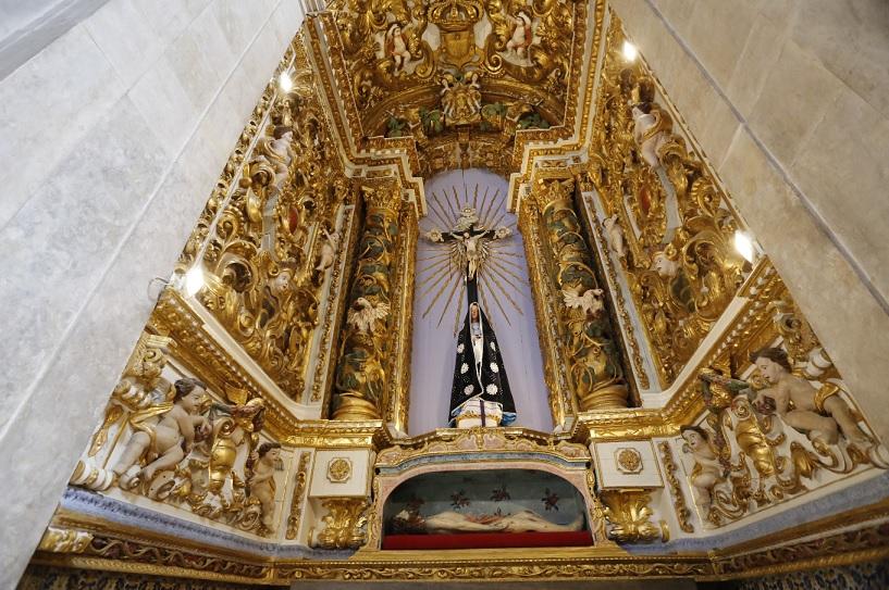 Foram usadas 2 mil folhas de ouro no restauro