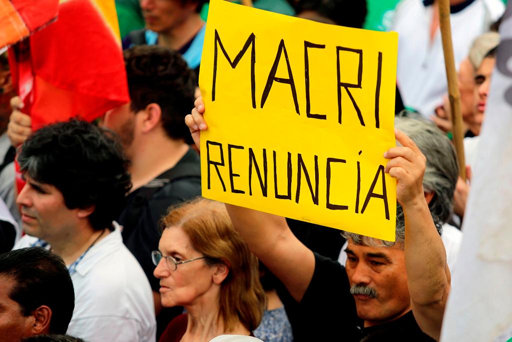 Argentina tem greve geral contra ajuste de Macri, que negocia com FMI