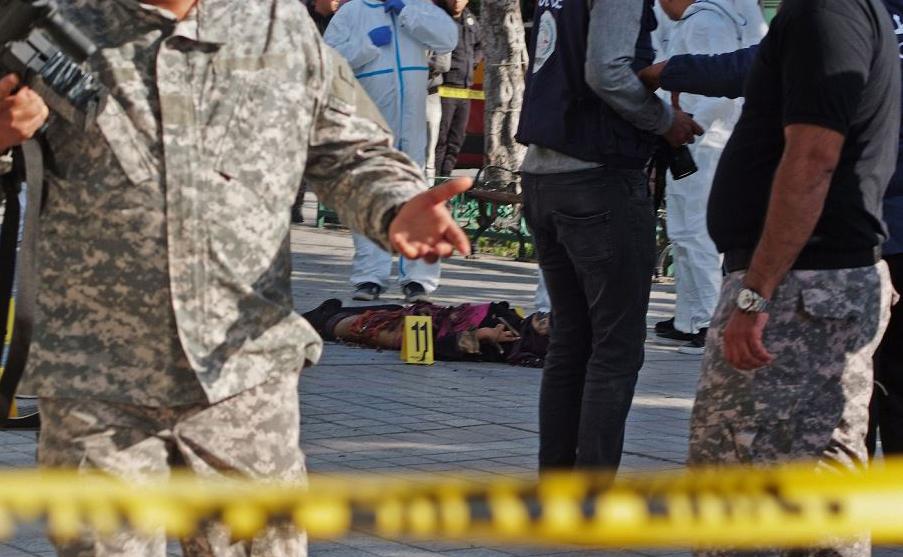 Corpo do homem bomba que se explodiu no Centro de Tunis, na Tunísia.