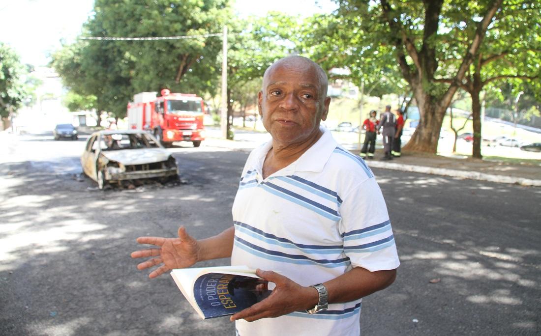 Motorista do veículo, Antônio Raimundo parou o carro logo que sentiu cheiro de gasolina.