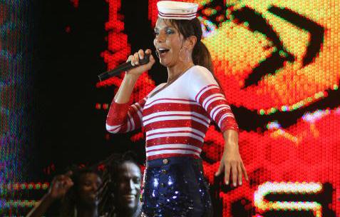 Em 2008, ela fez sucesso com figurino de marinheira
