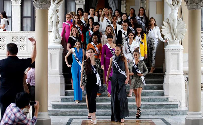 Concorrentes do Miss Universo 2018 visitam a casa do primeiro-ministro tailandês em Banguecoque.