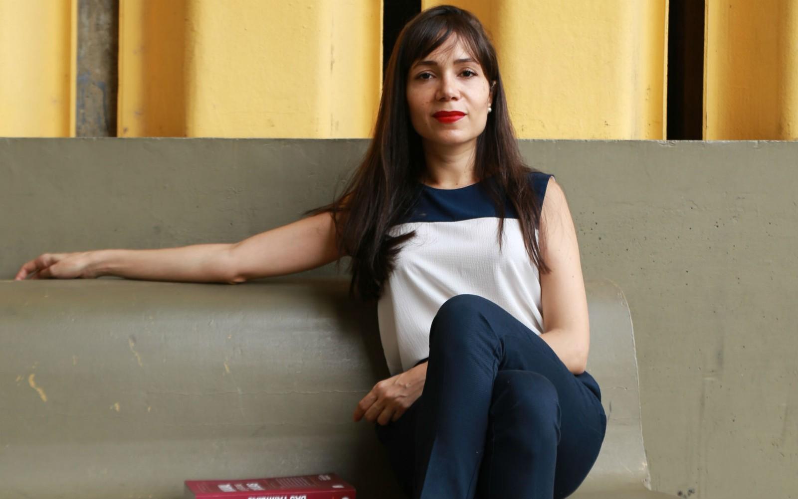 Mariana Regis, advogada feminista especializada em Direito das Famílias, fundadora da Rede Nacional das Advogadas Familistas Feministas e Mediadora de Conflitos. Atualmente Capacita Advogadas para a atuação profissional sensível à desigualdade de g