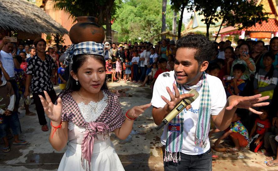 Festas populares no Camboja para celebrar o ano novo na província de Kandal.