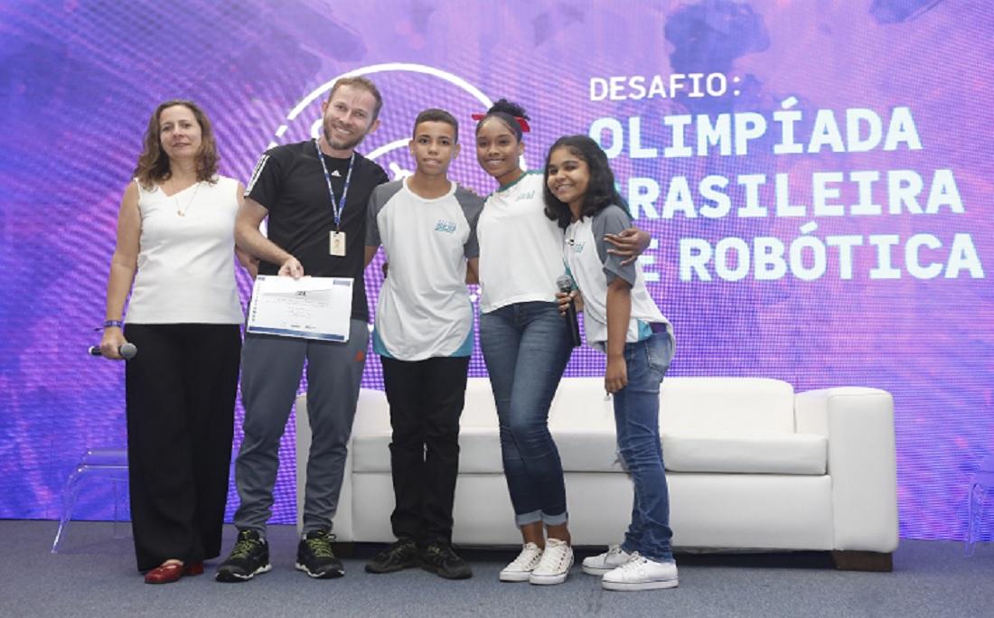 O 2º lugar ficou com o Projeto Olhando para o Futuro/ Equipe Robolife - Escola Sesi Candeias