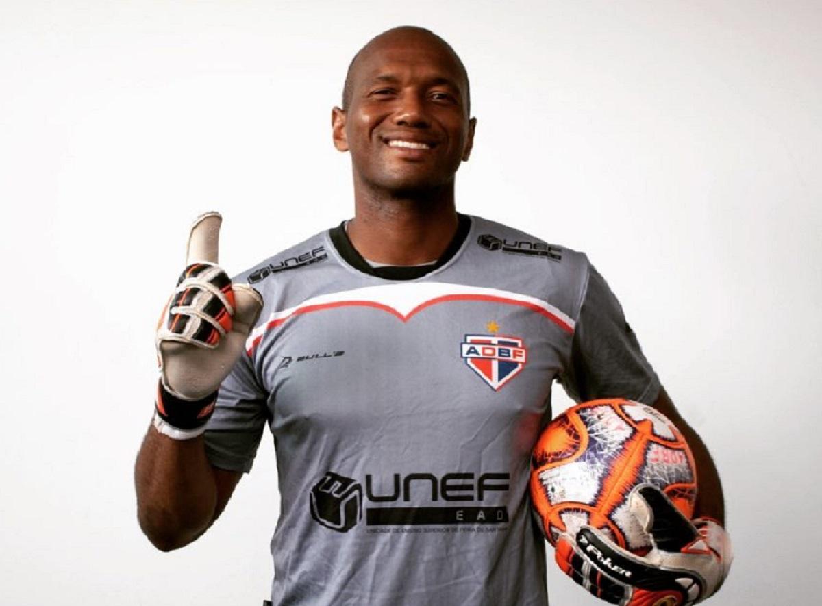 Campeão baiano em 2011 e vice em 2019, Jair vai para mais uma temporada defendendo a meta do Bahia de Feira