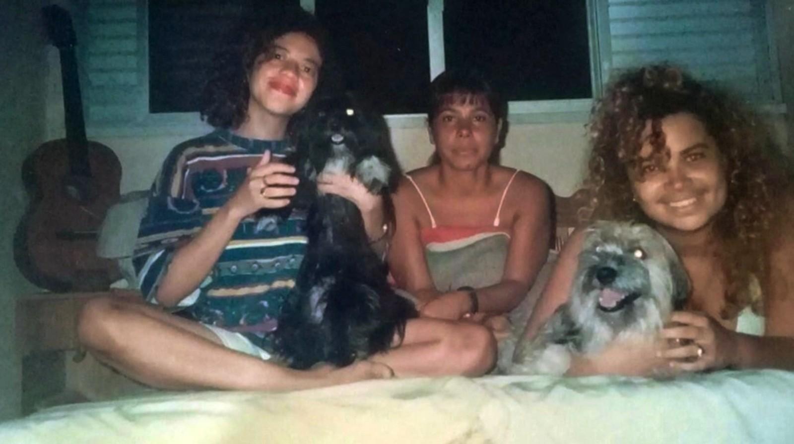 Amigas de Solange Almeida mostraram fotos de antigamente