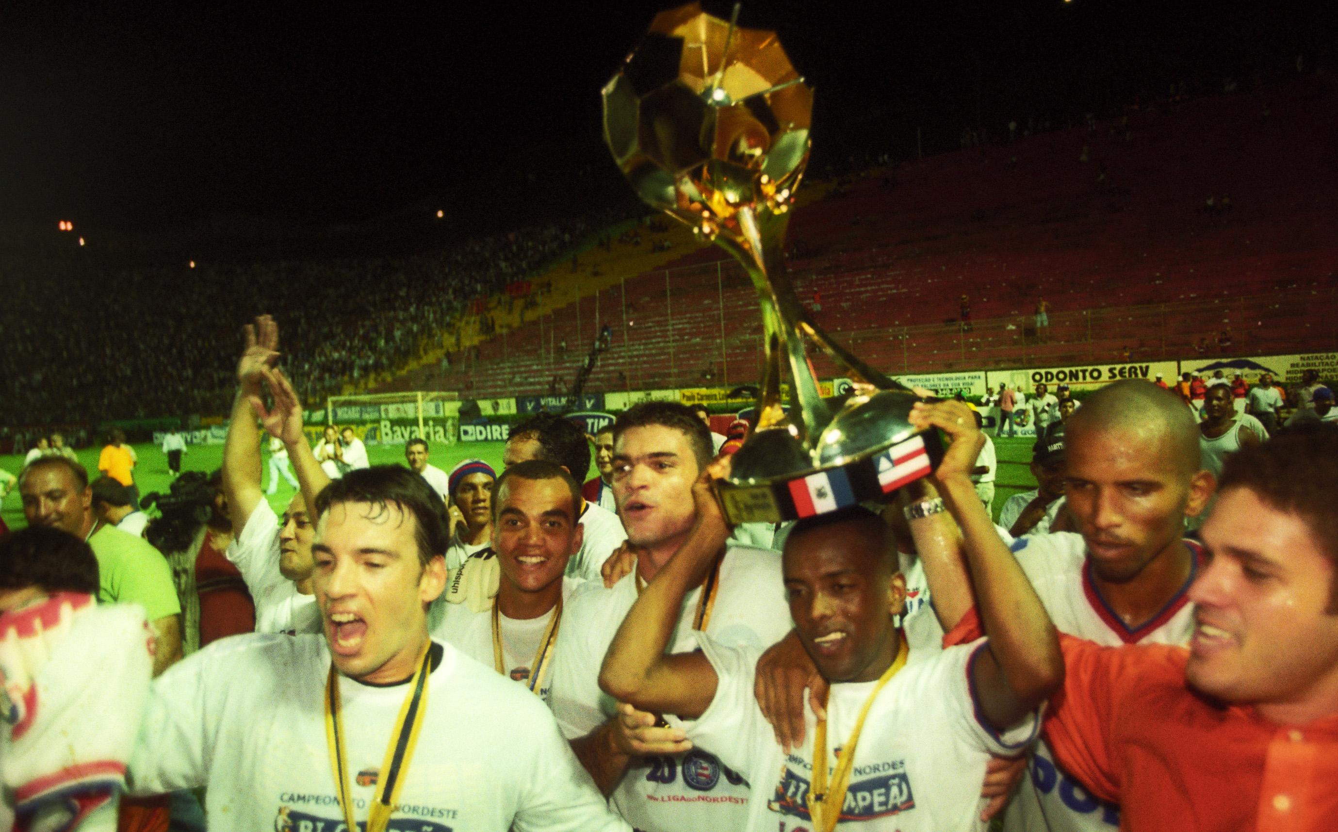 Um 3x1 sobre o rival Vitória, levou o Bahia ao título de campeão em 2002.