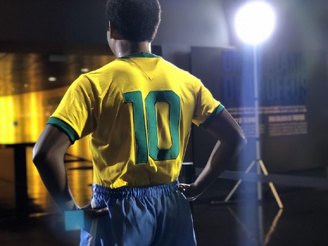 Pelé transformou a camisa 10 da Seleção em uma peça sagrada