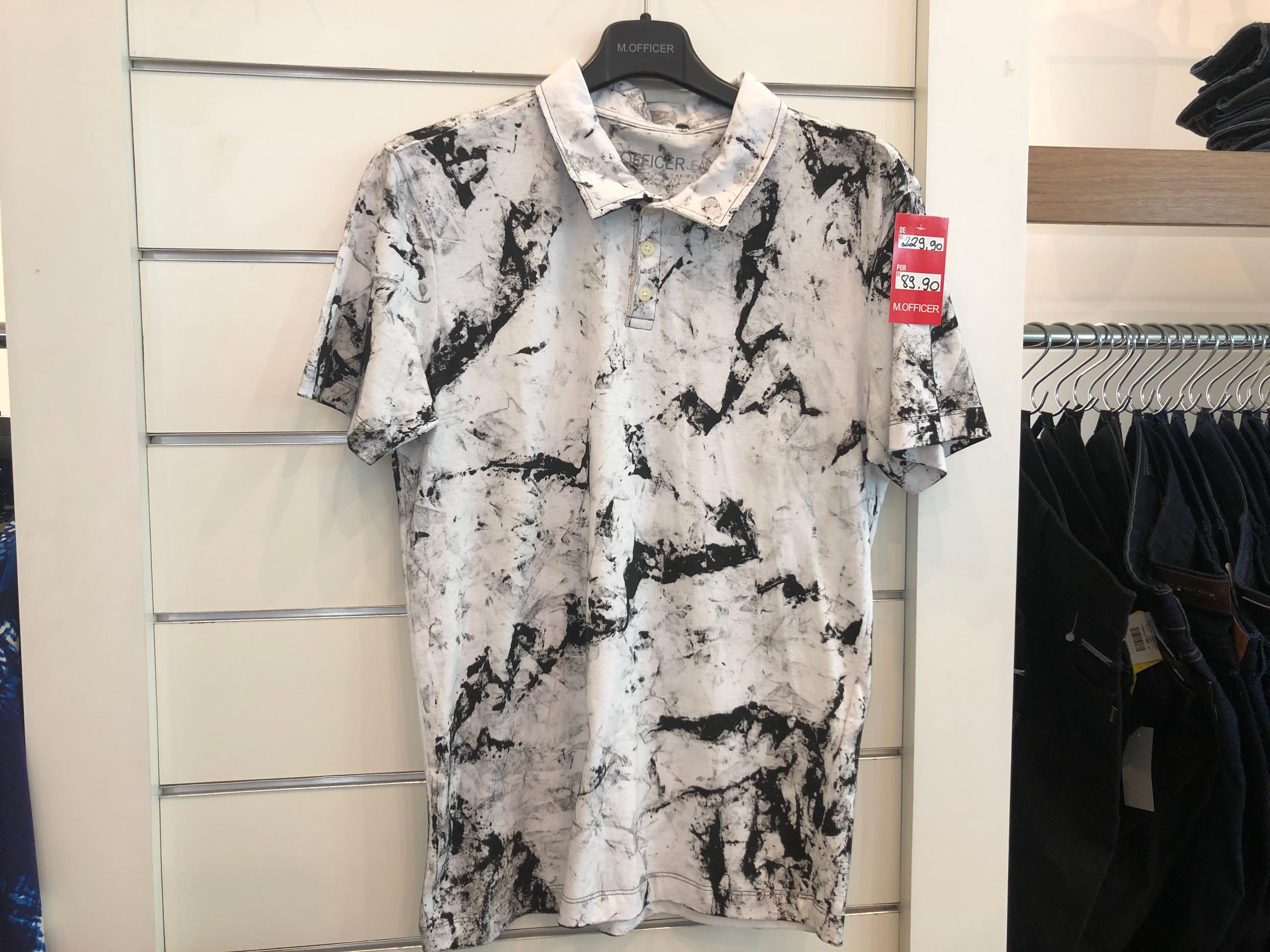Camisa Polo branca e preta (M.Officer - Salvador Shopping) de R$ 229,9 por R$ 89,9 (60,8%)