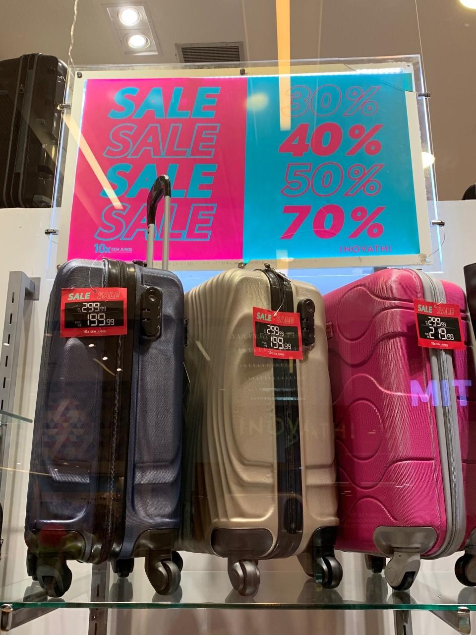 Mala cores diversas (Inovathi - Salvador Norte Shopping) de R$ 299,99 por R$ 199,99 (33%)