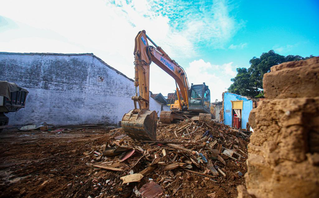 Devido aos riscos de novos desabamentos o casarão teve que ser totalmente demolido.