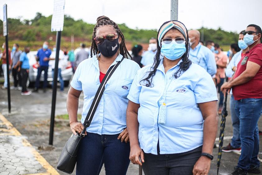 As primas Lília de Sá e Darleide Santos de Sá entraram juntas na Ford há 18 anos
