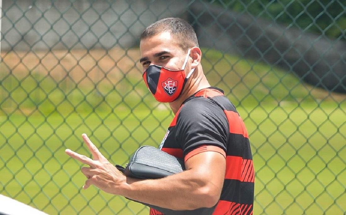 Thiago Lopes é relacionado, mas ainda é dúvida entre os titulares contra o Botafogo-SP