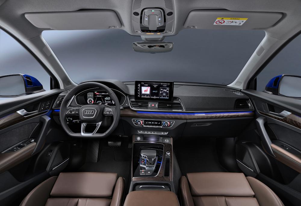 Sofisticado e agora mais tecnológico, o interior é similar para qualquer carroceria