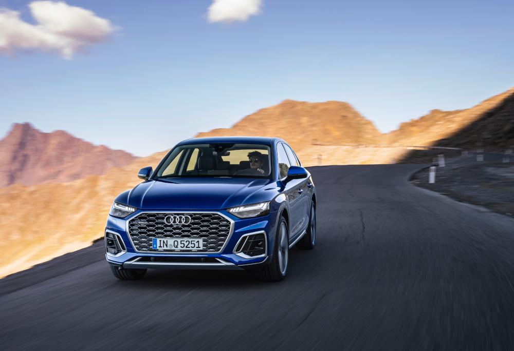 O Audi Q5 ganhou uma dianteira completamente nova, inspirada no Q8