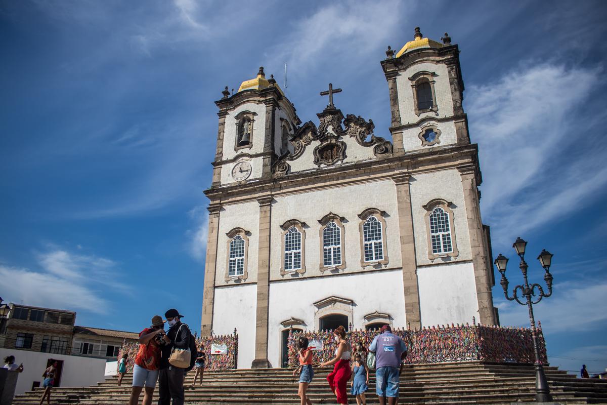 Cardeal Arcebispo de São Salvador e  Primaz do Brasil, Dom Sergio da Rocha. recomenda a transmissão de missas e orações de forma online. (Igreja do Bonfim)