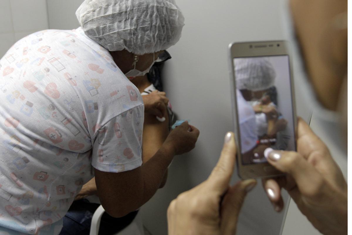 Mais de 265 mil pessoas já receberam a 2ª dose da vacina.