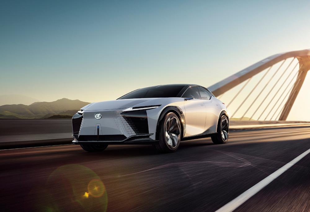 A divisão de luxo da Toyota apresentou seu primeiro modelo elétrico