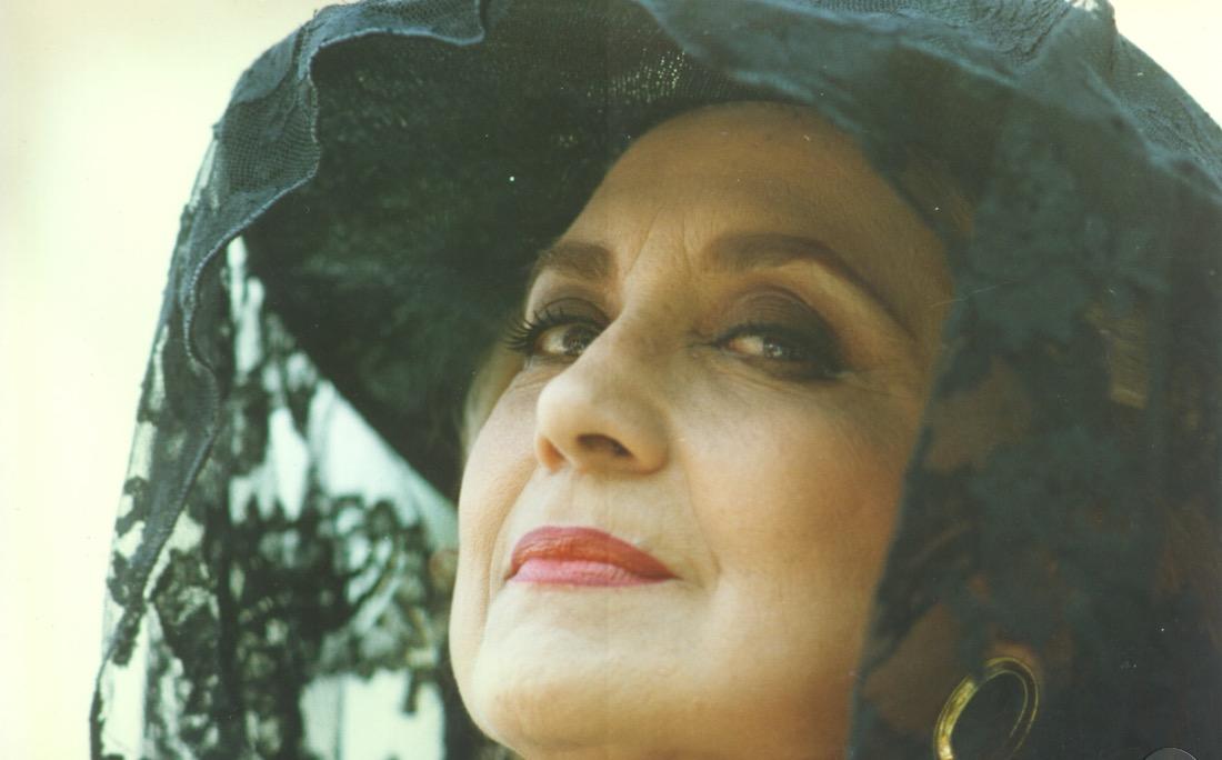 Eva Wilma como Maria Altiva, na novela A Indomada