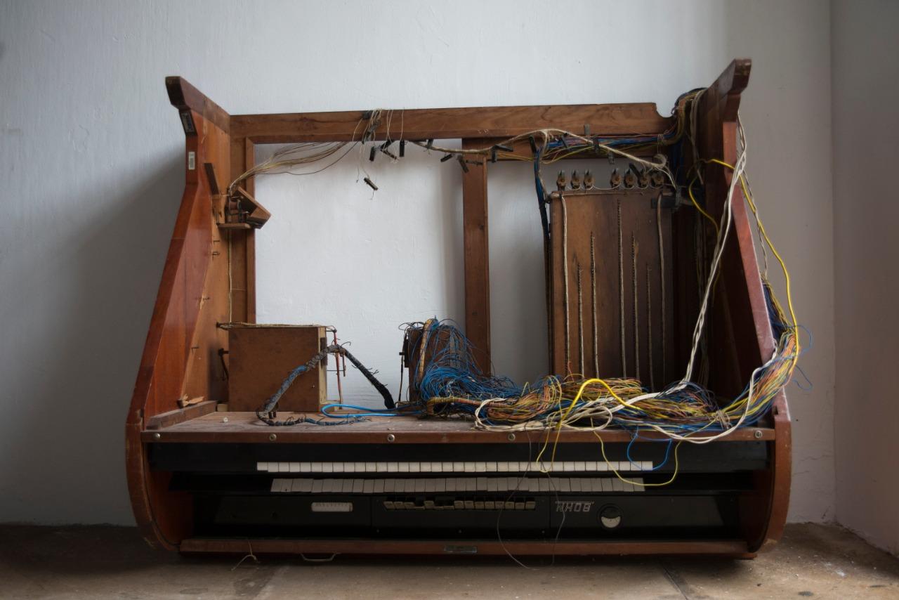 Console de Órgão de Tubos J. Edmundo Bohn S/A – Fabricado em Novo Hamburgo, Rio Grande do Sul. Pertenceu ao Instituto de Música da Ucsal
