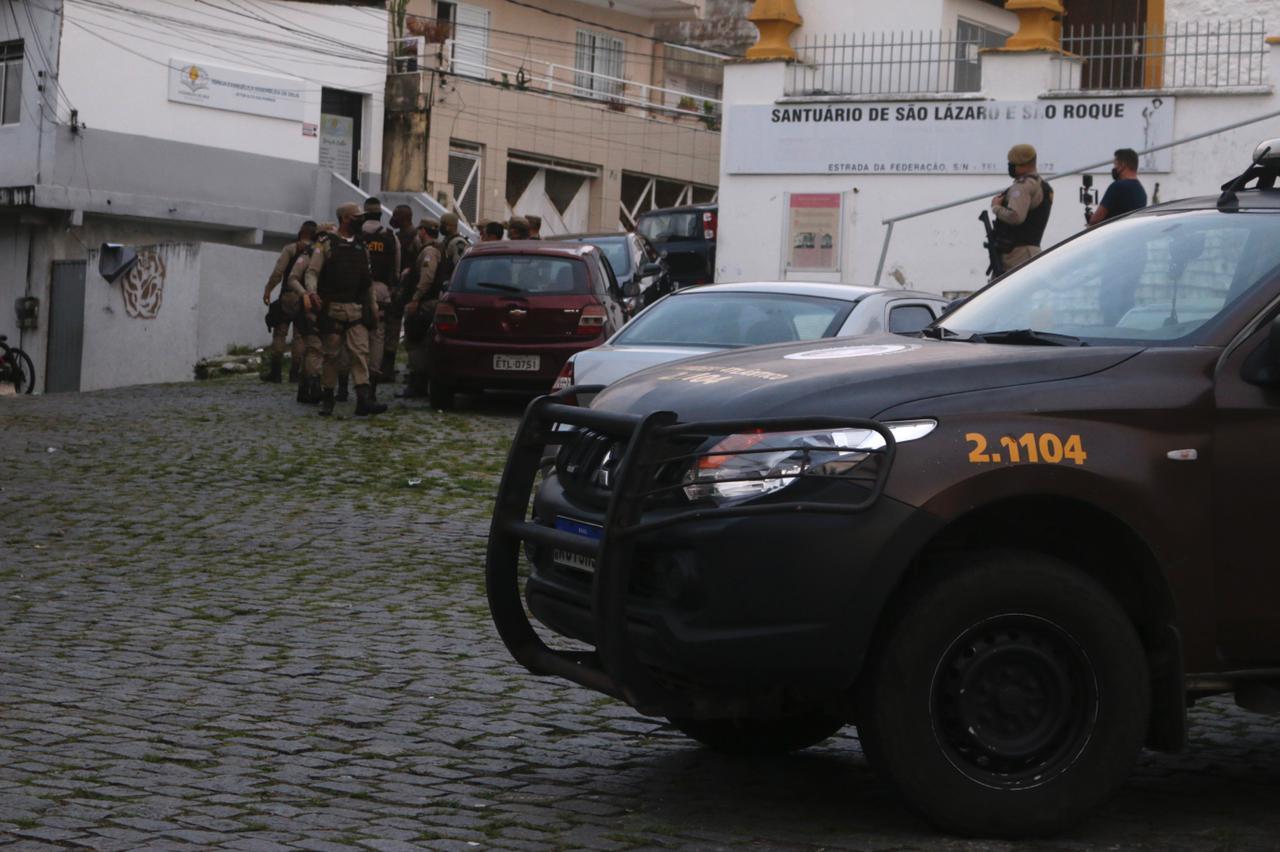 Cerco policial em São Lázaro